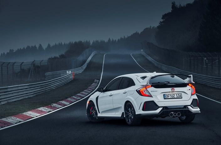 Új elsőkerekes körrekord a Civic Type R-től a Nürburgringen