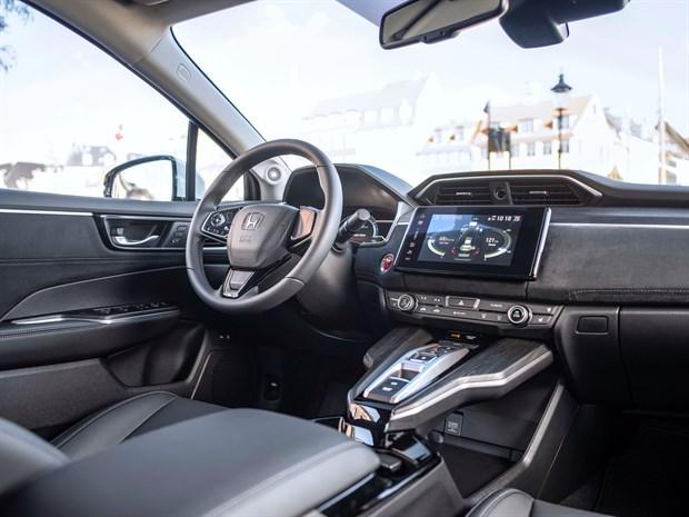 106341 Honda Clarity Fuel Cell