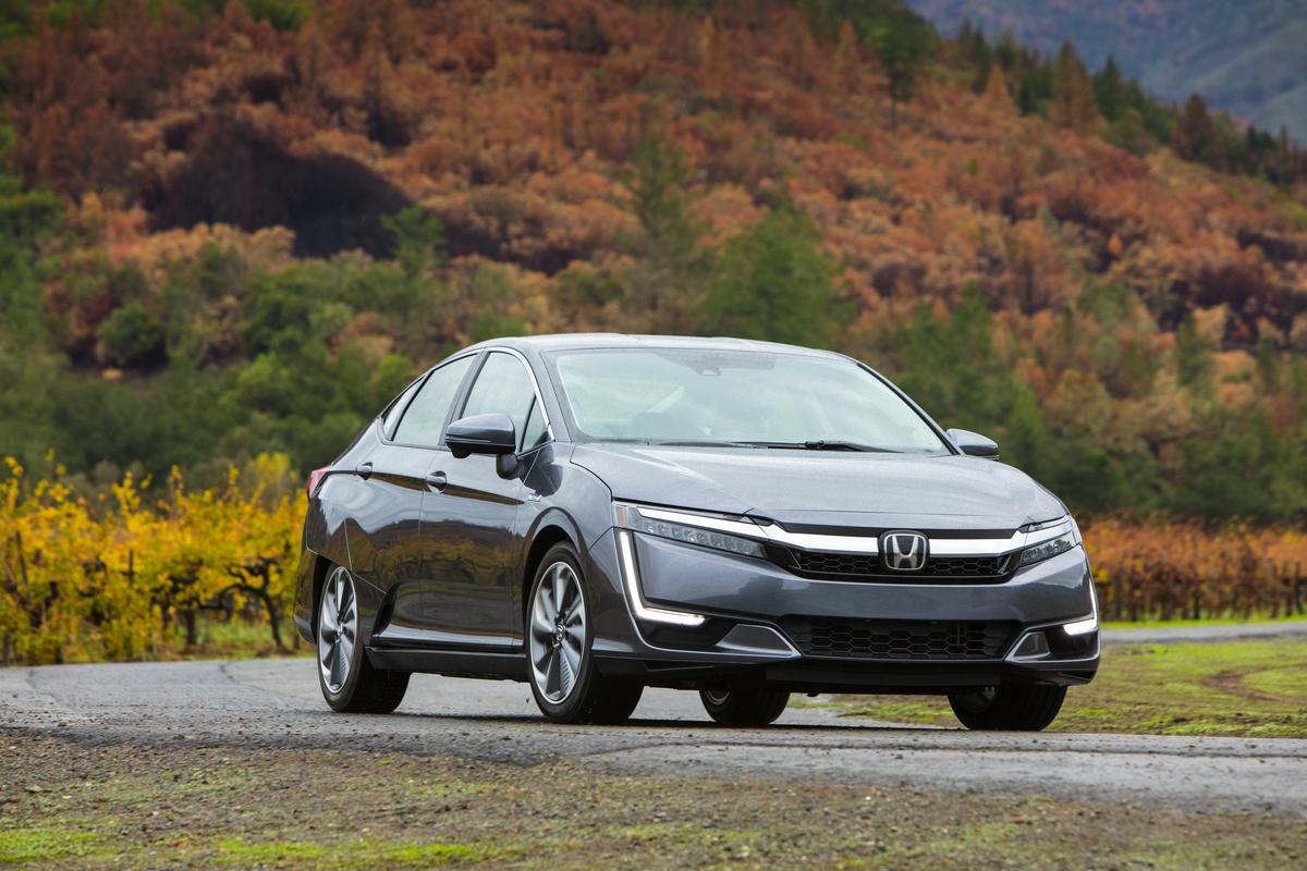 02   2018 Honda Clarity Plug In Hybrid