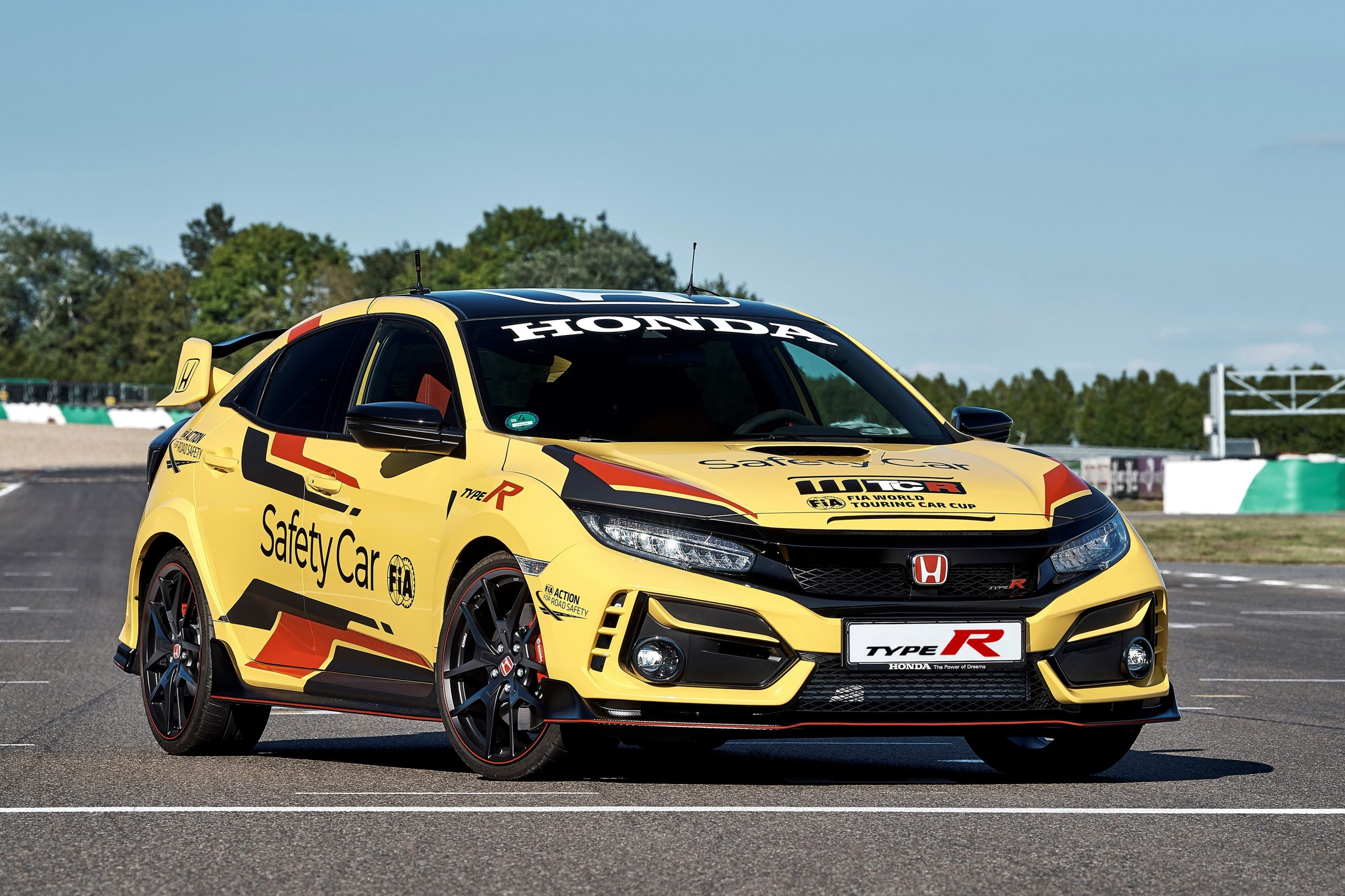 303937 Honda Civic Type R Limited Edition Is The 2020 WTCR Official Safety Car Scaled