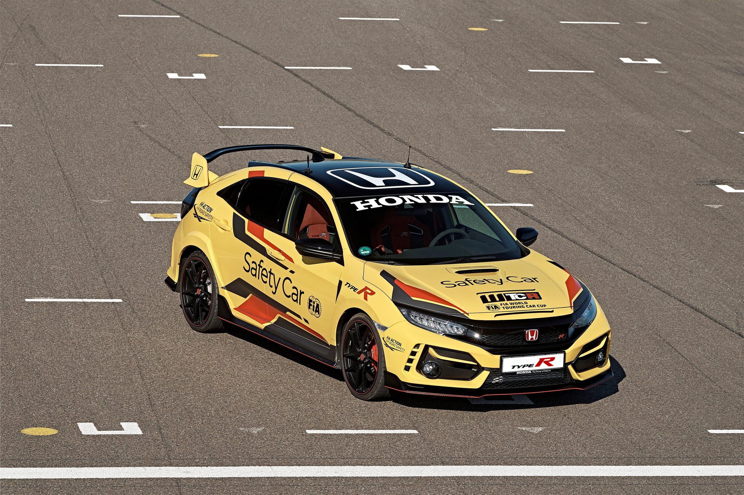 303940 Honda Civic Type R Limited Edition Is The 2020 WTCR Official Safety Car Scaled