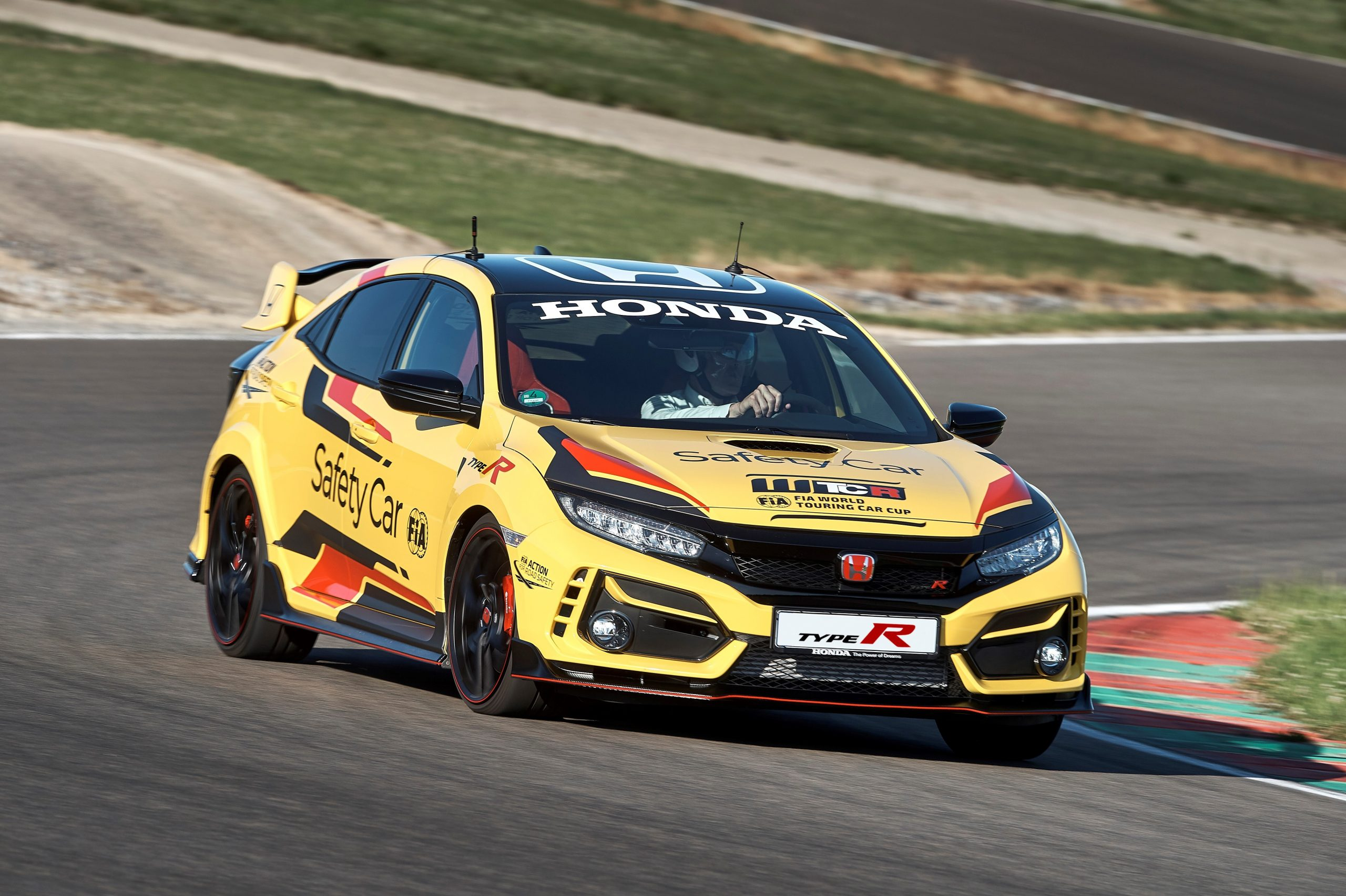 303944 Honda Civic Type R Limited Edition Is The 2020 WTCR Official Safety Car Scaled
