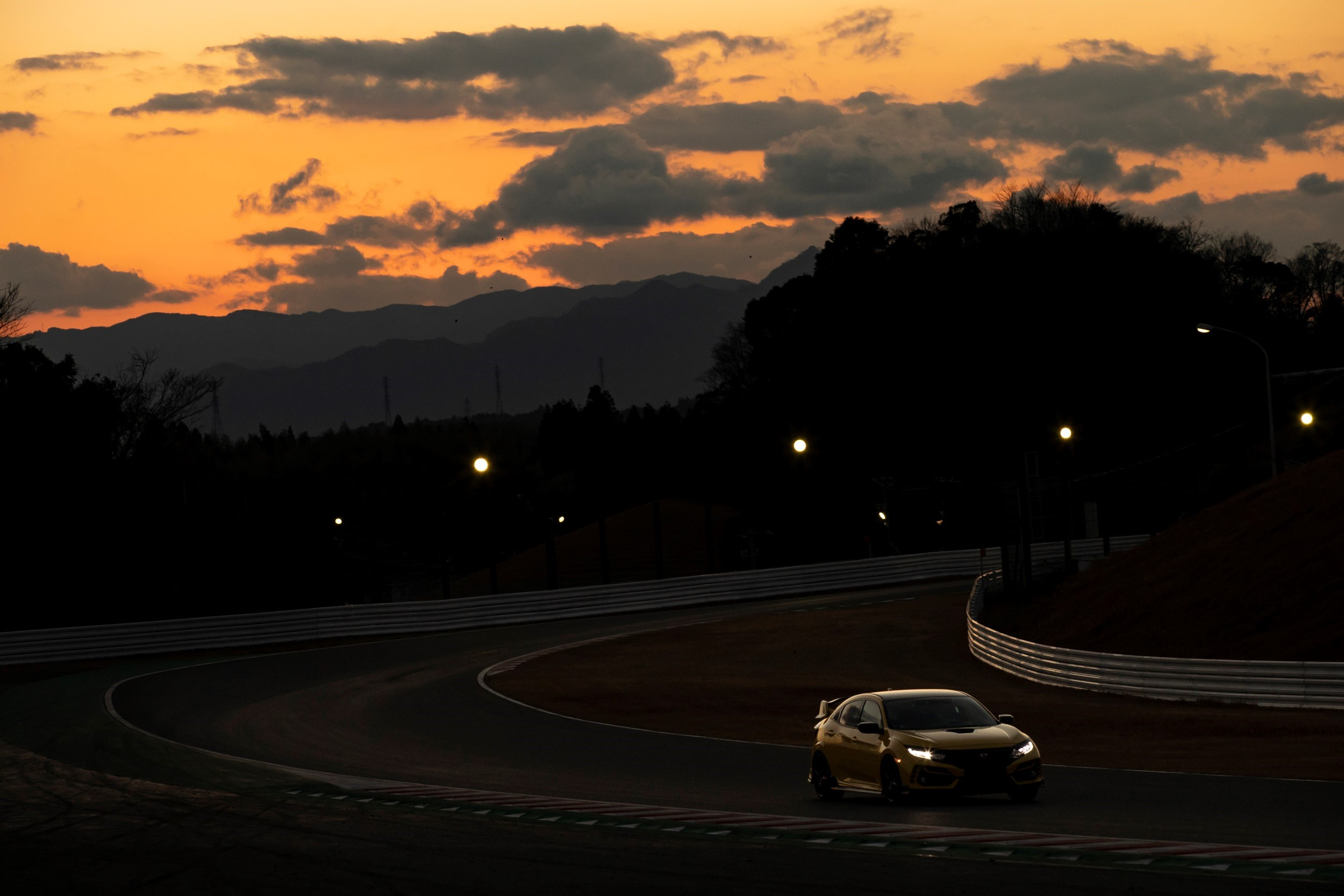 304375 Honda Civic Type R Limited Edition Suzuka Circuit