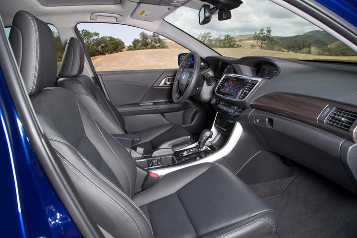 2017 Honda Accord Hybrid   62