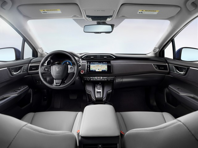 09   2017 Honda Clarity Electric