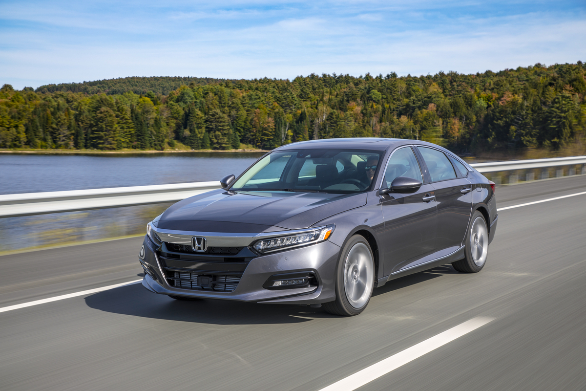 2018 Honda Accord Touring 2.0T 055