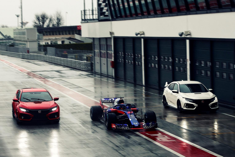 130251 Civic Type R Chosen By Red Bull Toro Rosso Honda Formula 1 Racing Drivers